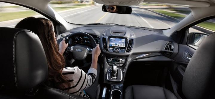 -como-mejoran-tu-seguridad-y-confort-los-autos-conectados-a-internet