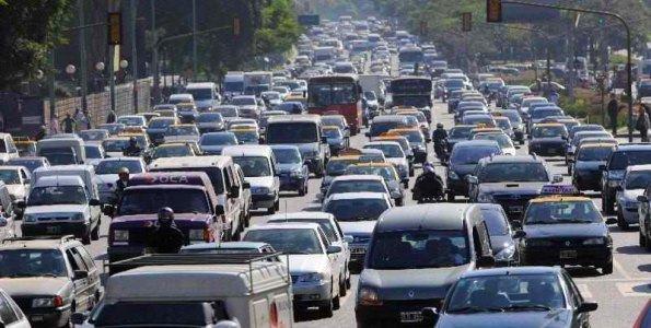 se-frena-crecimiento-de-parque-automotriz-en-chile-por-crisis-economicas